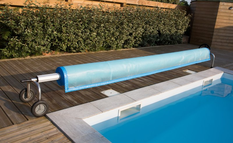 Choosing the right pool accessories